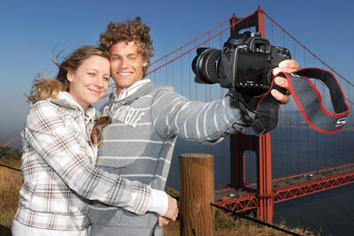 Tourists at Golden Gate Bridge