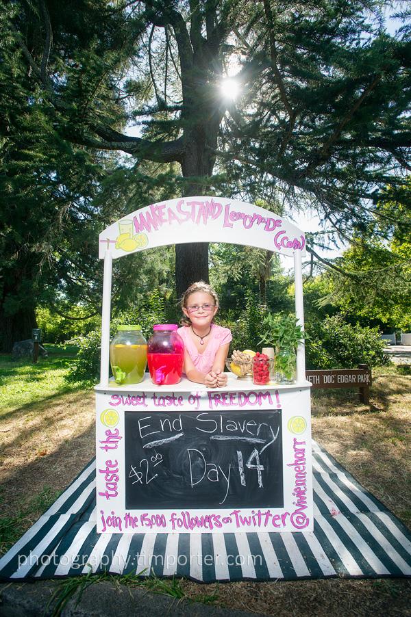 Vivienne Harr, lemonade stand