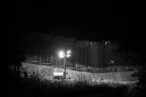 NogalesWall_091616_165_BW